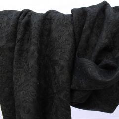 Châles brodés - laine